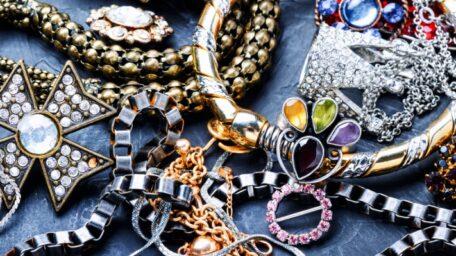 7 Motive să cumperi bijuterii din argint sterling